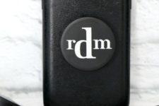 DIY monochromatic monogrammed pop socket