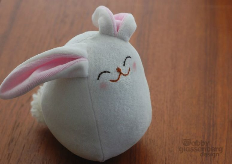 DIY cute white bunny baby softie (via whileshenaps.com)