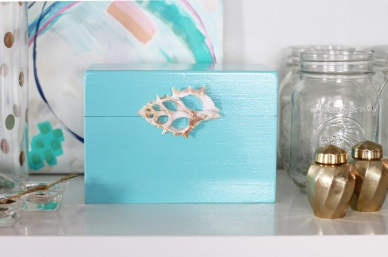 DIY coastal recipe box with a shell locker (via simplestylings.com)