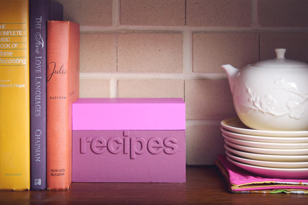 DIY modern color block recipe box (via makingniceinthemidwest.com)