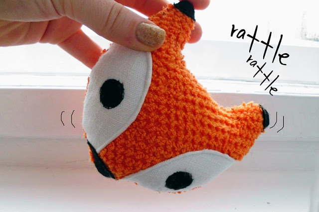DIY cute and colorful fox baby rattle (via curiousandcatcat.blogspot.com)