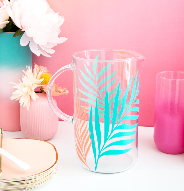 DIY palm leaf drink pitcher (via akailochiclife.com)