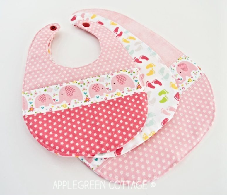 DIY simple and cute minimalist bib  (via www.applegreencottage.com)