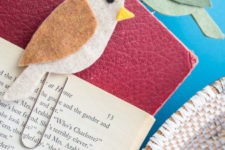 DIY felt bird paper clips as bookmarks