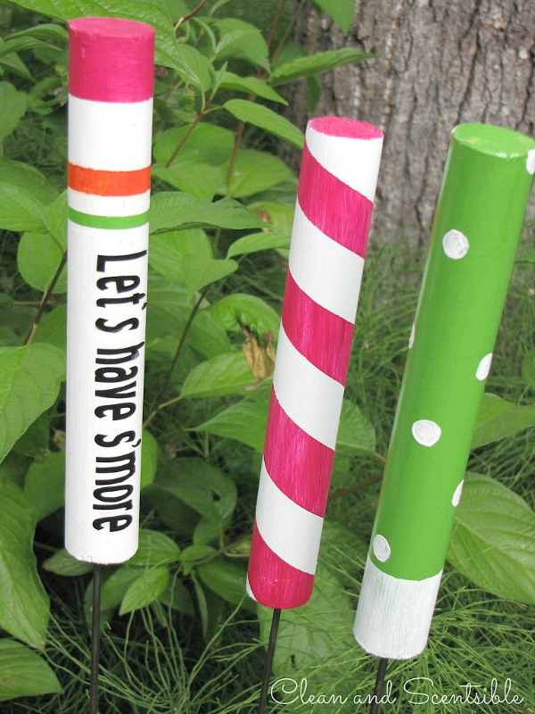 DIY colorful roastign sticks (via www.cleanandscentsible.com)