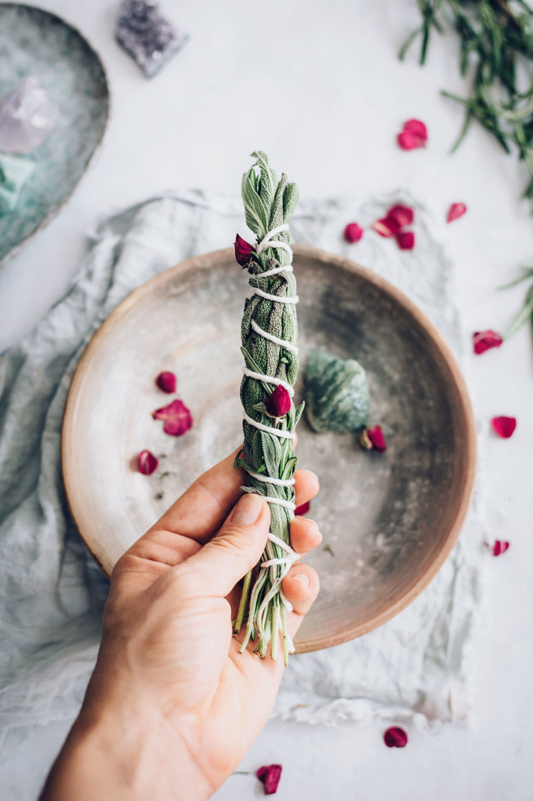 DIY rosemary sage smudge sticks (via helloglow.co)