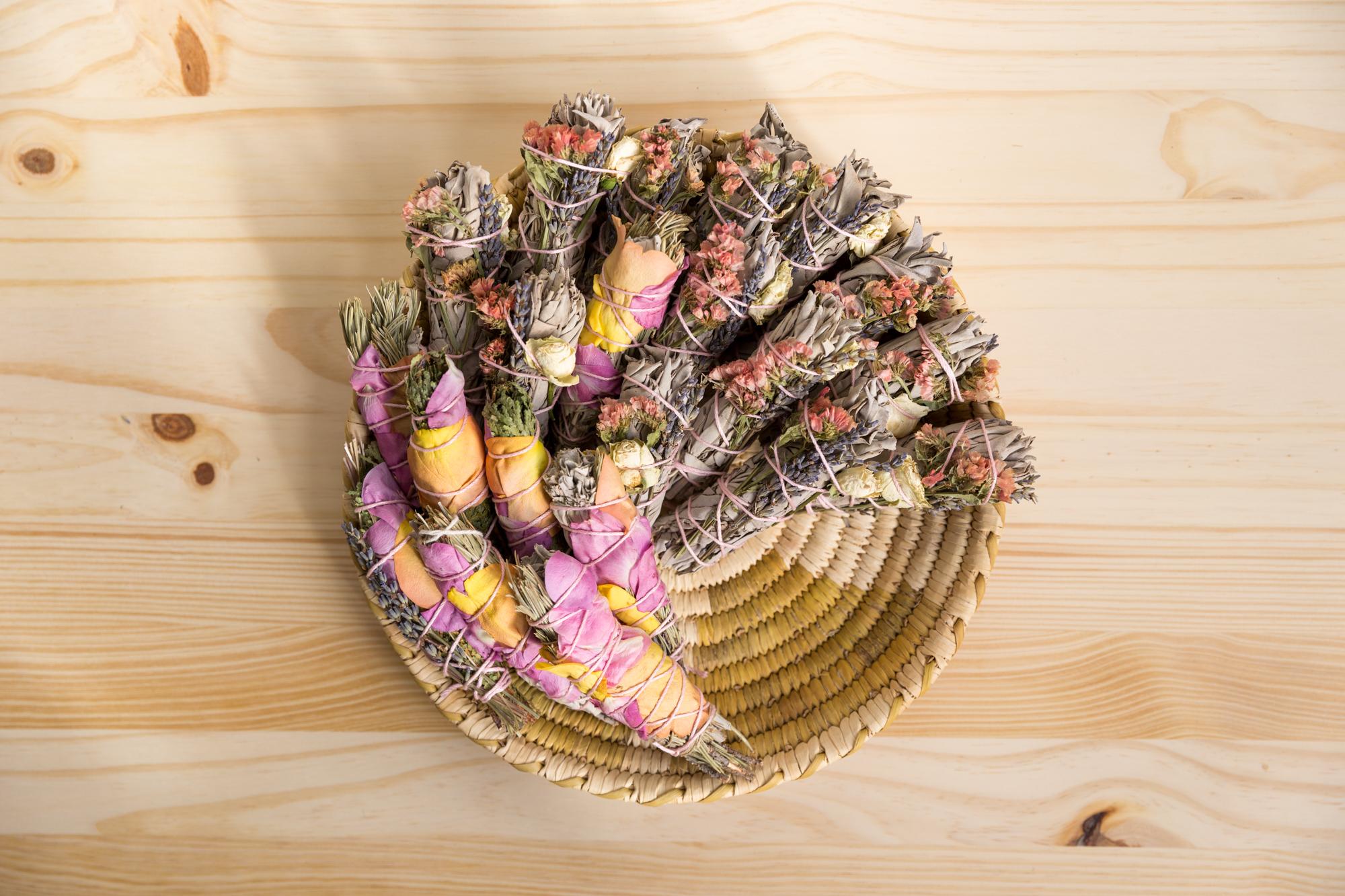 DIY floral sage smudge sticks