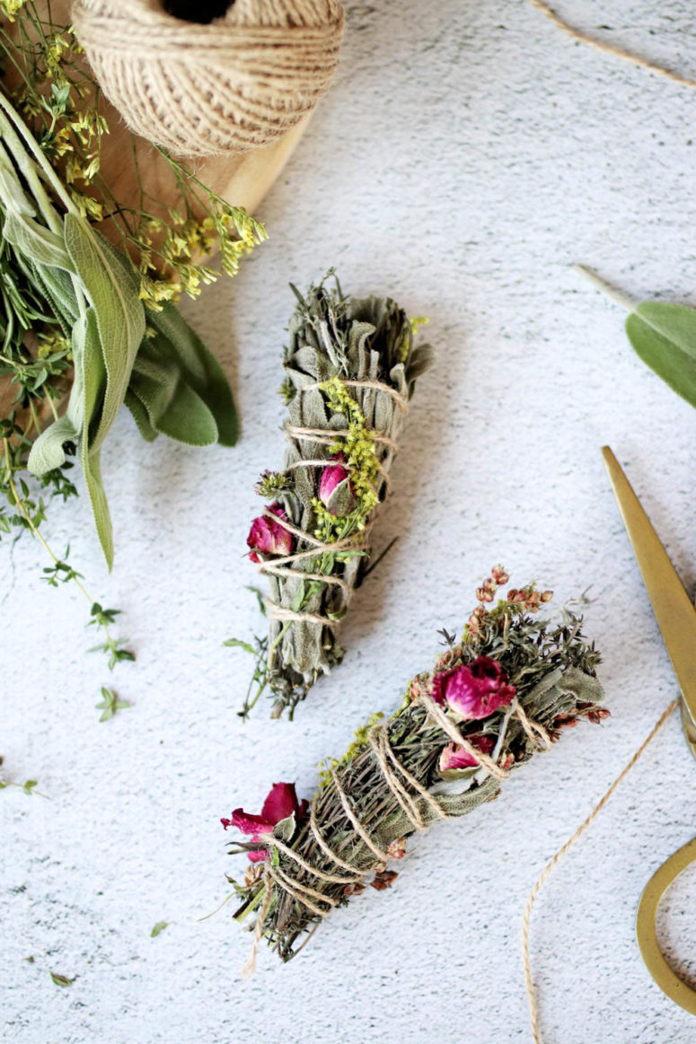 DIY flower and sage smudge sticks (via hellonest.co)