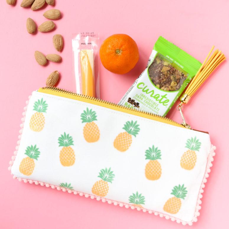 DIY fruity zip snack pouches (via akailochiclife.com)