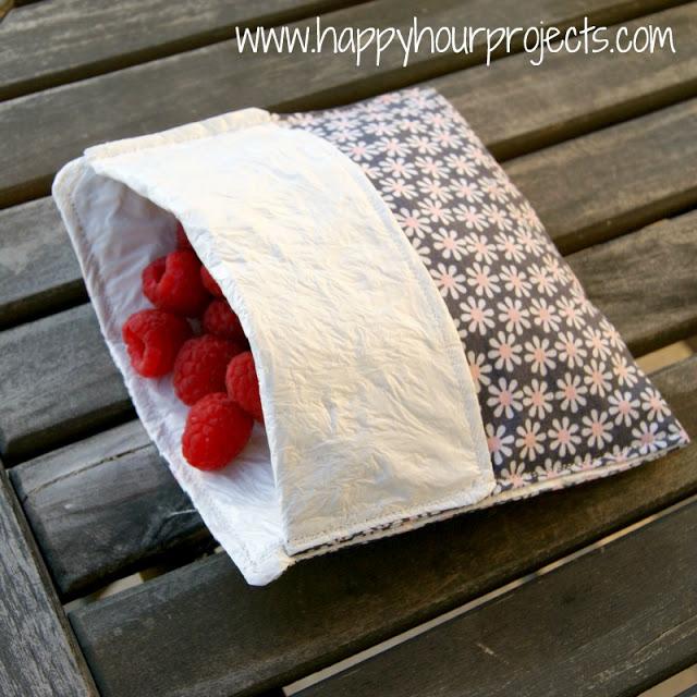 DIY reusable lined snack baggie (via happyhourprojects.com)