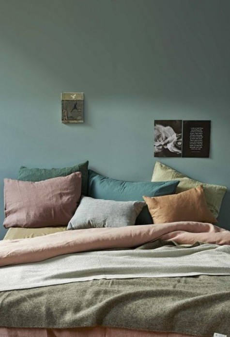muted color pallet works well for fall inspired bedroom decor