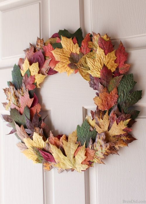 a colorful dried fall leaf wreath will be a perfect natural touch of the fall to your front door or inside your home