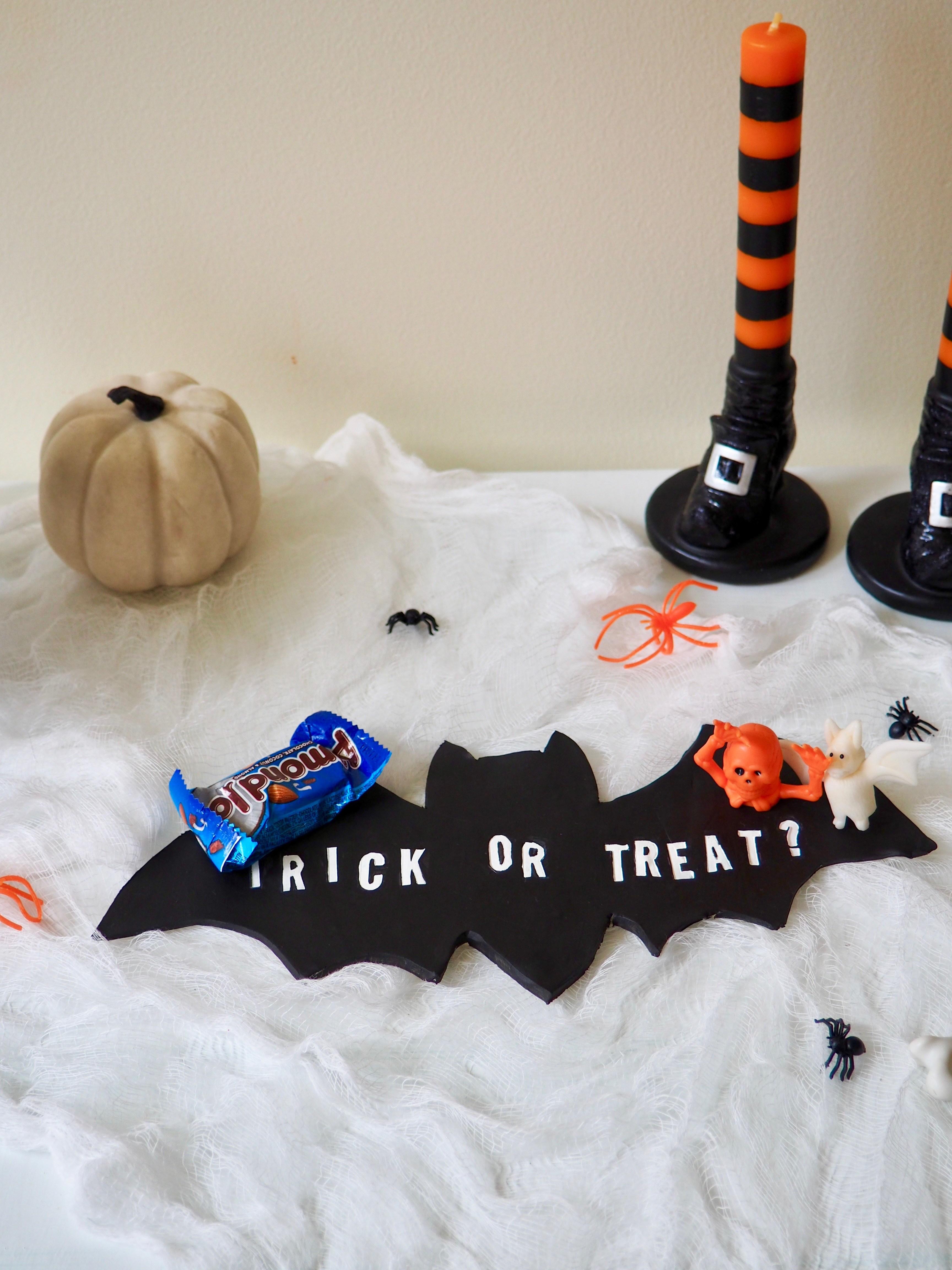 DIY trick or treat bat tray for Halloween