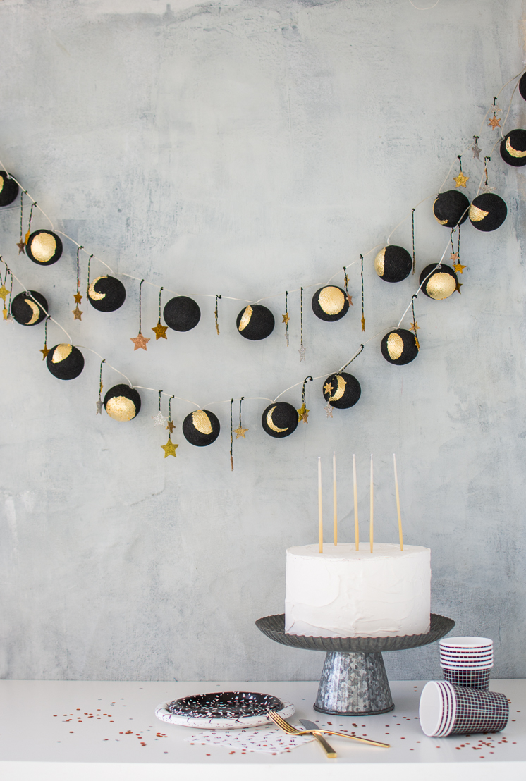 DIY black and gold moon phase lights (via thehousethatlarsbuilt.com)