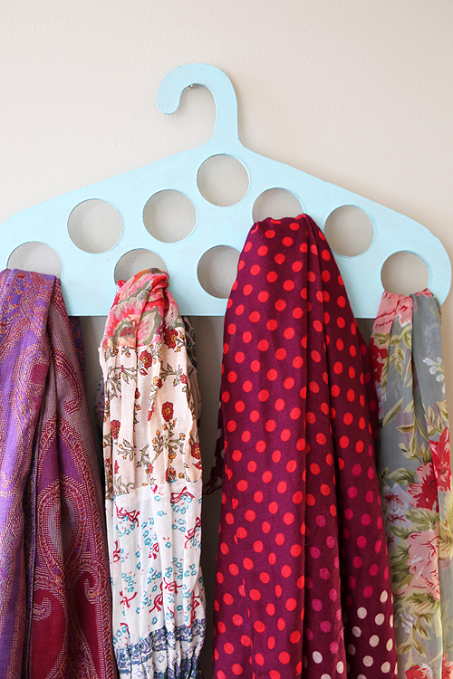 DIY scarf hanger of plywood