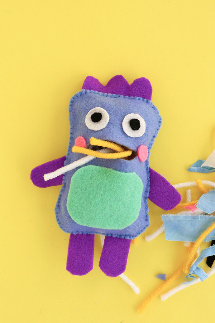 DIY plushie monster doll for Halloween (via mypoppet.com.au)