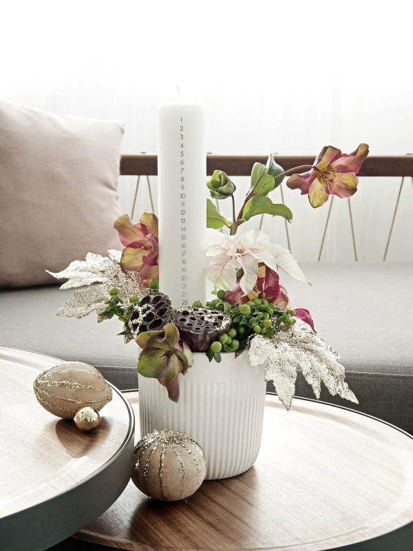 DIY modern advent winter dcoration with florals