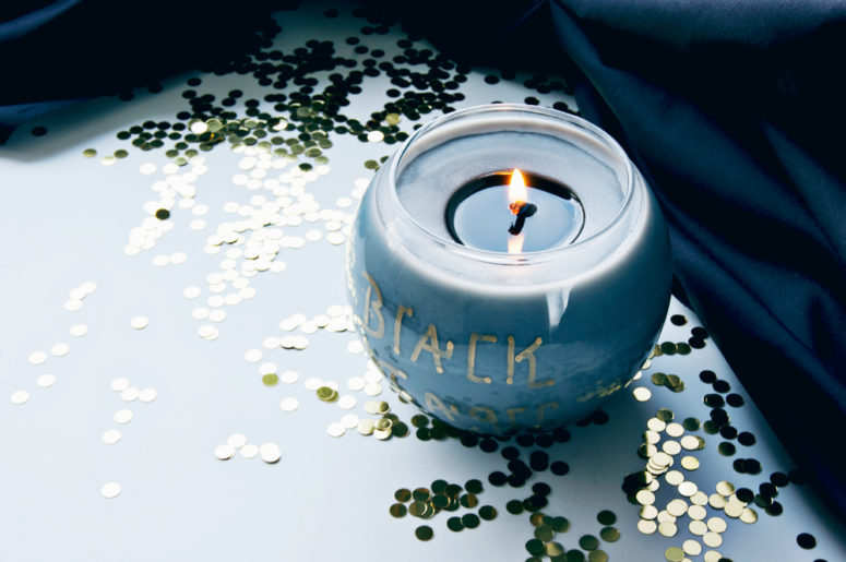 DIY Halloween witch candles (via www.acharmingproject.com)