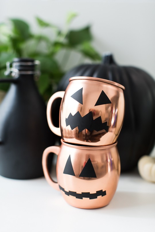 DIY Halloween removable decals for glassware (via sugarandcloth.com)