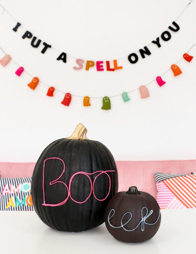 DIY Halloween pumpkin with neon wire letters (via akailochiclife.com)