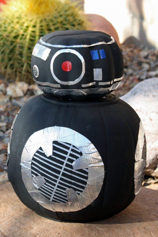 DIY  BB-9E pumpkin for Halloween decor (via desertchica.com)