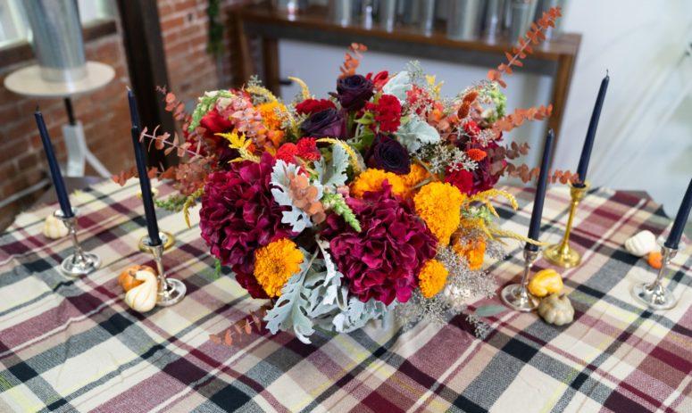 DIY Fall Floral Showpiece (via www.mybluprint.com)