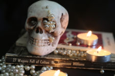 DIY mini skull with pearls for glam Halloween decor