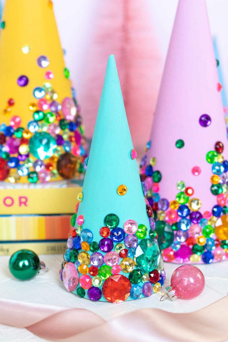 DIY colorful tabletop Christmas trees with bright rhinestones (via www.clubcrafted.com)