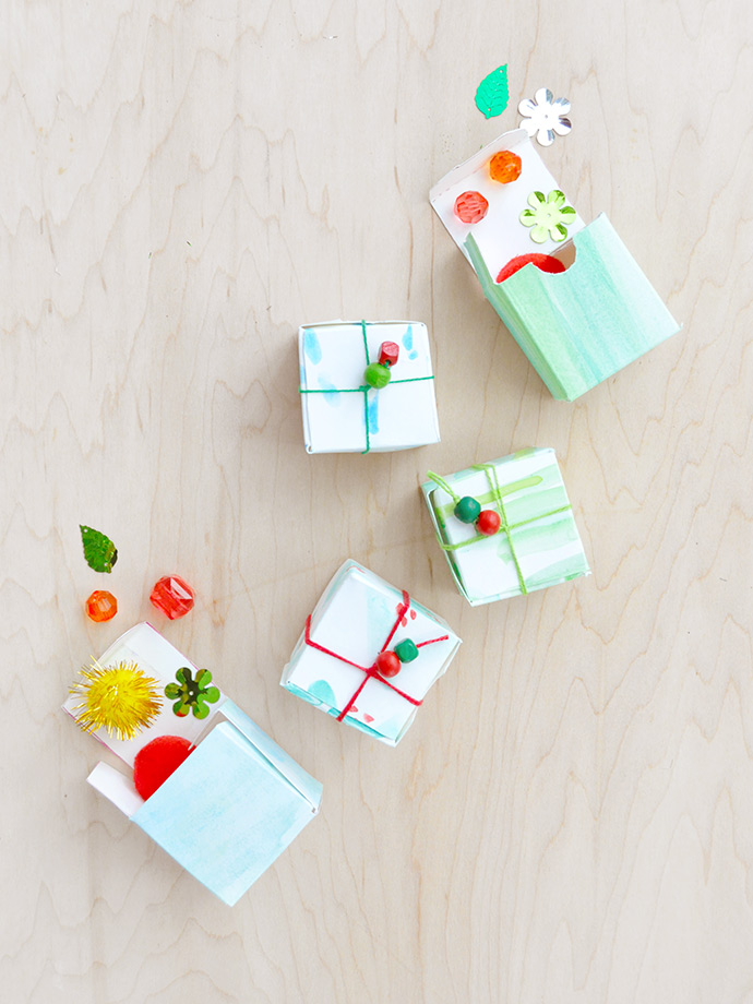 DIY watercolor mini gift boxes (via www.handmadecharlotte.com)