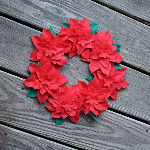 DIY bright floral felt Christmas wreath (via savedbylovecreations.com)