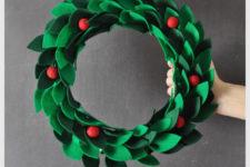 DIY red and green Christmas felt wreath
