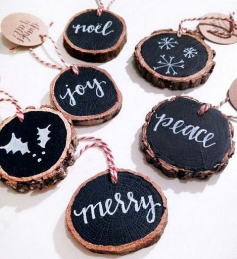 wood slice chalkboard Christmas ornaments with striped twine are a modern take on traditional wood slice decorations