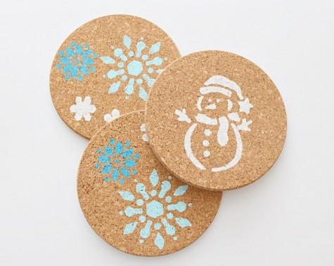 IKEA HEAT trivets stenciled in holiday style can be given as gifts or can be used at your own home to spruce it up for winter