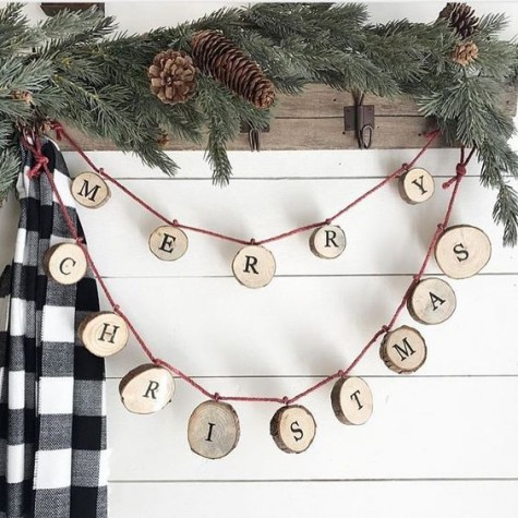 a wood slice letter garland is a great rustic decoration for indoors and outdoors, for Christmas trees and other pieces