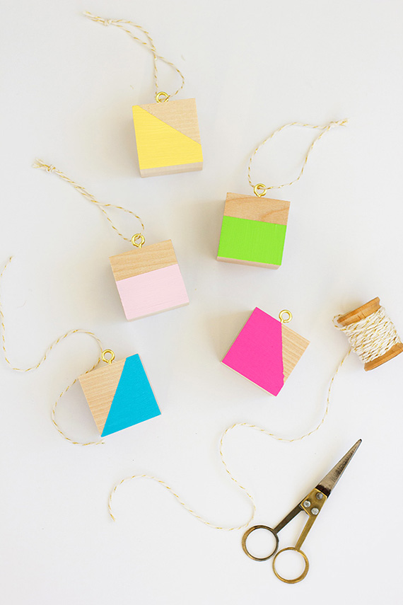 DIY color block wooden block Christmas ornaments (via www.minted.com)