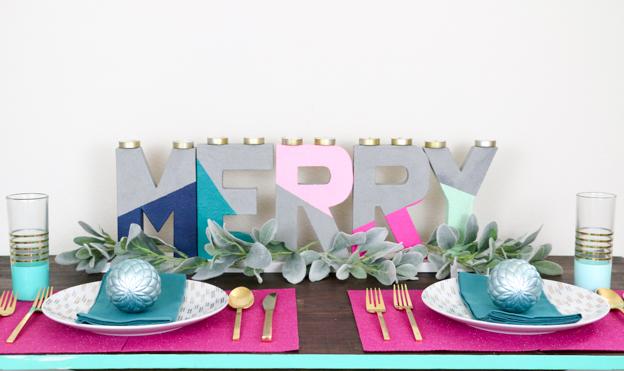 DIY faux concrete color block holiday letter decor (via akailochiclife.com)