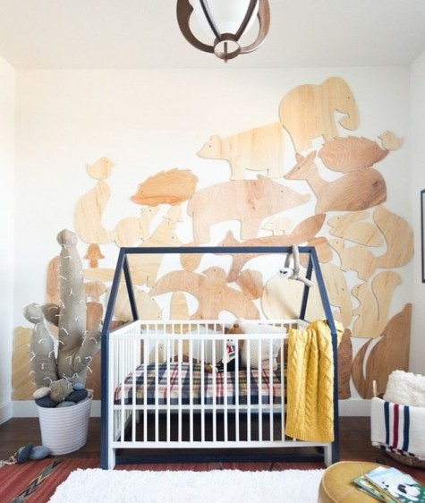 DIY IKEA Gulliver crib hack with a house-shaped frame looks very cozy and very welcoming