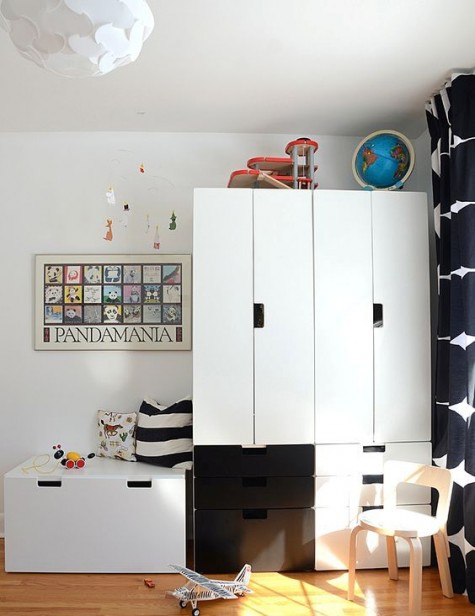 black and white Stuva cabinets, one of them forming a daybed, which is a great idea