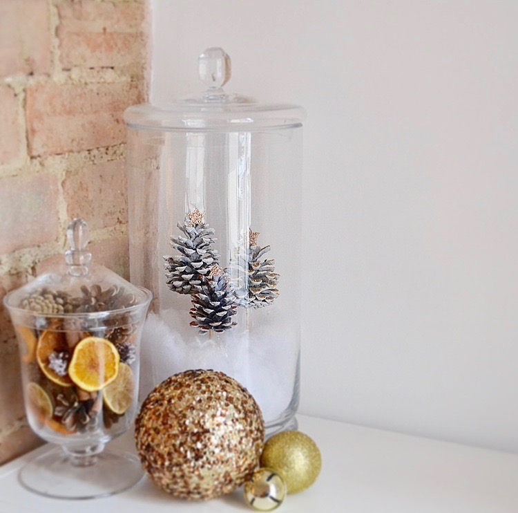 DIY easy and fast winter terrarium with glitter pinecones