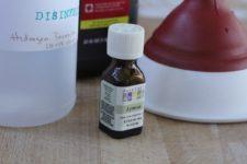 DIY 2-ingredient disinfectant spray