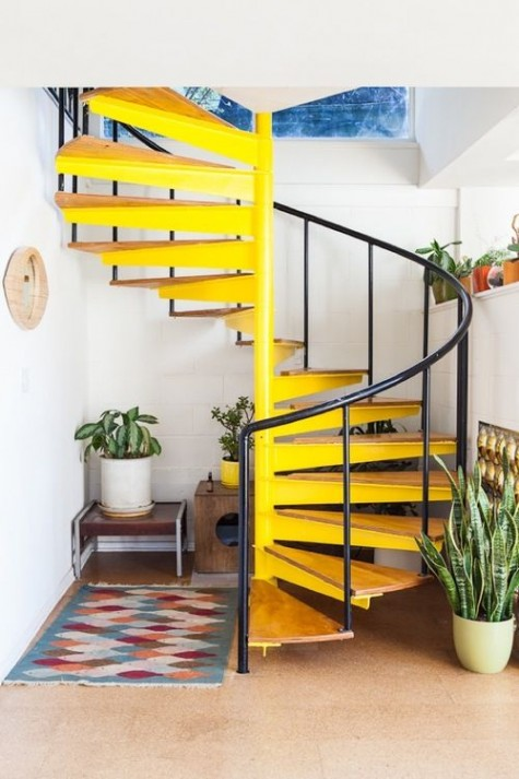 a bright yellow staircase is a touch of sunshine to any space, get inspired to give a good mood to the space