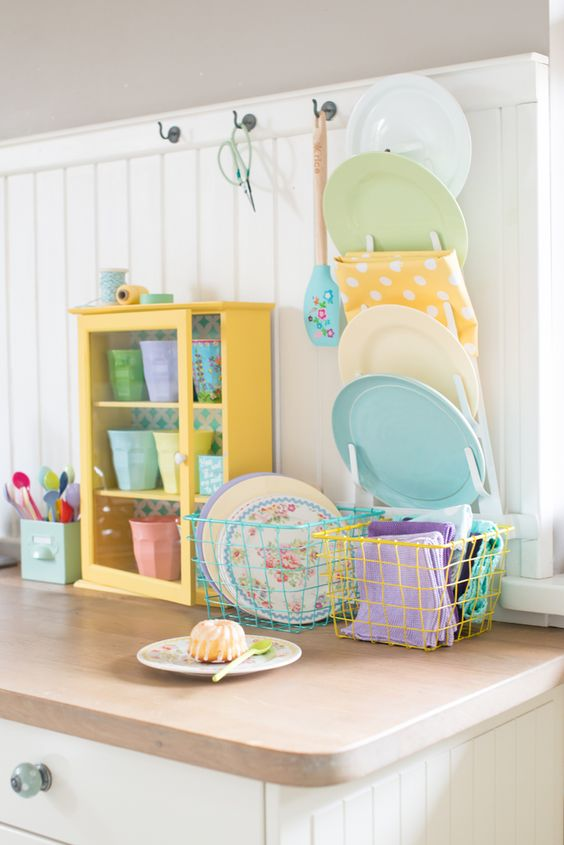 pastel spring decor - pastel plates, towels, potes and other kitchen stuff looks bright, fresh and beautiful