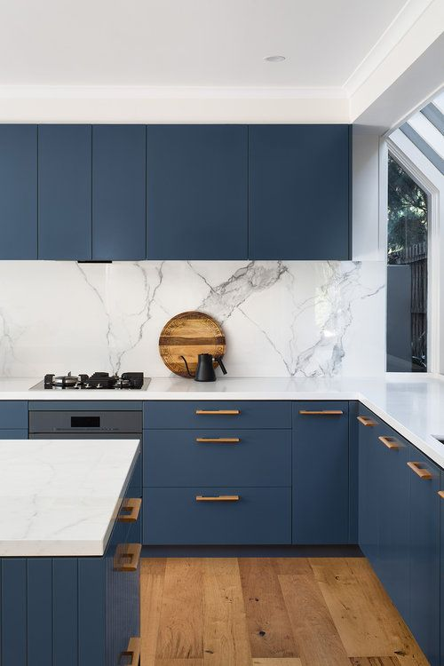 an inspiring blue kitchen design with white touches