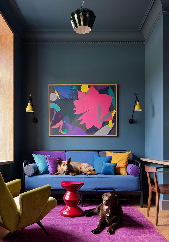 a cute eclectic living room design