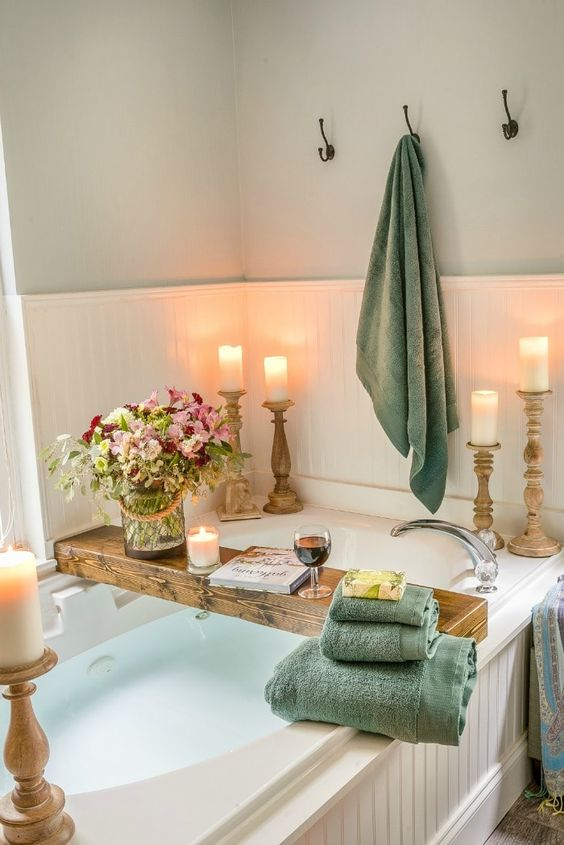 green towels are great for creating a summer mood in your bathroom, they help you feel the season