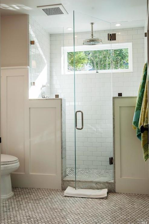 a small yet stylish farmhouse bathroom design