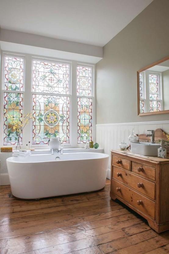 a cozy farmhouse bathroom design