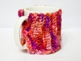 Stylish DIY Litte Cup Cozy (via complusivecrafter)