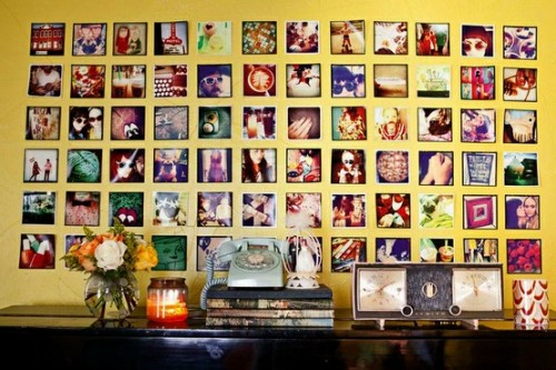 35 Cool Ideas To Display Family Photos On Your Walls - Shelterness