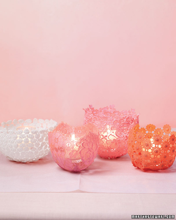 DIY Lacy Votive Candle Holders (via marthastewart)